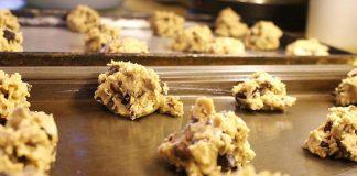 raw_cookie_dough_salmonella_ecoli_food_safety_illness