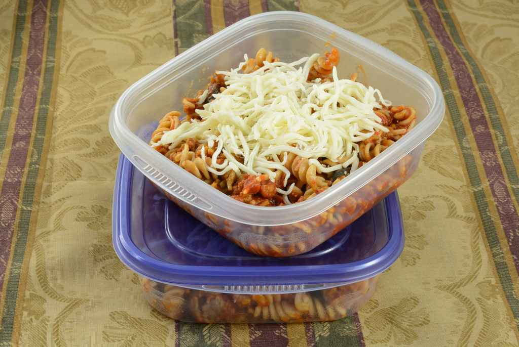 leftovers_party_food_safety_illness