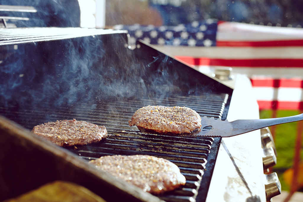 veterans_day_weekend_bbq_party_food_safety_illness