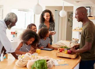 group_cooking_party_family_food_safety_illness